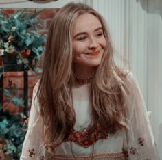 i remember watchin girl meets world like if it was yesterday🤧 Girl Meets World, Pretty People, Beautiful People, V Magazine, Famous Girls, Aesthetic Girl, Aesthetic Anime, Vintage Modern, Facon