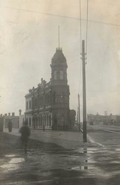 North Fitzroy Post Office in Victoria (year unknown).