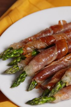Prosciutto Wrapped AsparagusDelish