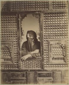 Zangaki. Egypte, Femme arabe à la fenêtre     #Afrique_Africa #Egypte