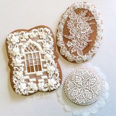 Gingerbread cookies and three Royal Icing consistencies… Lace Cookies, Flower Cookies, Royal Icing Cookies, Fun Cookies, Decorated Cookies, Bolacha Cookies, Galletas Cookies, Christmas Gingerbread House, Christmas Cookies
