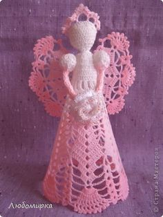 Another angel in my collection: white and pink with a white rose, which is trimmed with beads. Christmas Angels, Christmas Crafts, Christmas Decorations, Christmas Ornaments, Holiday Crochet, Crochet Gifts, Thread Crochet, Filet Crochet, Crochet Angels
