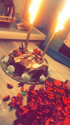Happy Birthday Chocolate Cake, Happy Birthday Cake Images, Happy Birthday Wallpaper, Birthday Cakes For Teens, Happy Birthday Wishes, Birthday Girl Pictures, Girl Birthday, Birthday Photos, Vegan Quesadilla