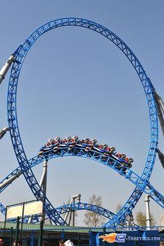10/34 | Photo du Roller Coaster Blue Fire situé à @Europa-Park (Rust) (Allemagne). Plus d'information sur notre site http://www.e-coasters.com !! Tous les meilleurs Parcs d'Attractions sur un seul site web !! Découvrez également notre vidéo embarquée à cette adresse : http://youtu.be/Dtb40mhdLoE