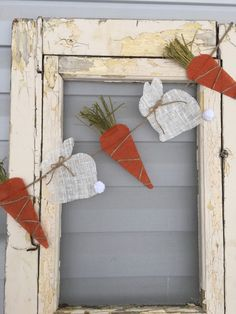This adorable burlap Easter bunny & carrot banner is made with bunnies and carrots. The bunnies have the cutest little fluffy tail and twine