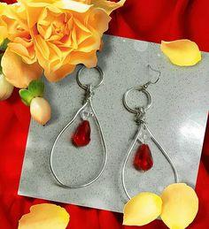 very bijoux creazione artigianale di bigiotteria a prezzi convenienti. wire, minuteria, padte polimeriche, resina.