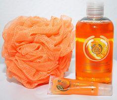 All about Orange – plötzlich ist er da, der Sommer! Orange ist neben Serenity und Rosé Quartz DER Trendton für 2016. Am liebsten im All-Over-Look von Kopf bis Fuß. #modetrend #look #fashion #trend #style #musthaves #mode #news #machdeburch #wirlebenMagdeburg #magdeburgcity #magdeburg #alleecentermagdeburg #blog #magdeburgerkind #magmag #bodyshop