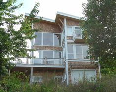 Modern House in Ladysmith by pnwra, via Flickr