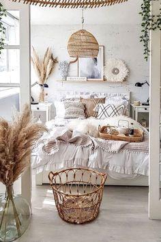 Cute Bedroom Ideas, Cute Room Decor, Boho Bedroom Decor, Boho Room, Room Ideas Bedroom, Bedroom Inspo, Bohemian Dorm Rooms, College Bedroom Decor, Bedroom Rugs