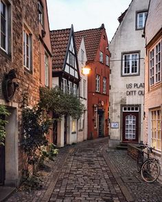 Historic alleys of Bremen, Germany. - Reisen - THE Travellers Wanderlust Travel, Oh The Places You'll Go, Places To Travel, Hidden Places, Beautiful World, Beautiful Places, Beautiful Beautiful, Beautiful Pictures, Beautiful Scenery