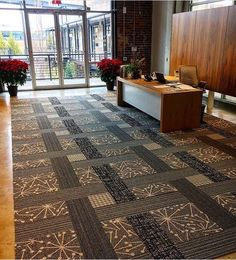 Do you like a combination of squares (50x50 cm) and skinny planks (25x100 cm)? Here is the inspiration for you..  Carpet tiles by Interface!