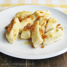 Pierogi leniwe - Polish Lazy Dumplings:-) made with Cottage Cheese:-) Scroll down for recipe in english:-) Lithuanian Recipes, Ukrainian Recipes, Hungarian Recipes, Russian Recipes, Eastern European Recipes, European Cuisine, Polish Dumplings, Gourmet Recipes, Cooking Recipes