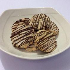 Aprende a preparar galletas de chia  con esta rica y fácil receta.  Para estas deliciosas y nutritivas galletas de chia lo primero que debes hacer es alistar todos...
