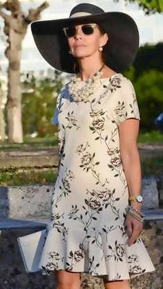 32 Trendy Ideas Womens Fashion Over 50 Short Over 50 Modest Dresses, Simple Dresses, Casual Dresses, Summer Dresses, Summer Outfit, Chic Outfits, Fashion Outfits, Womens Fashion, Fashion Over 50