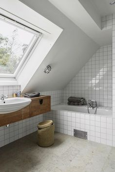 Dreaming of this Serene Traditional Swedish Cabin - Nordic Design Bathrooms Remodel, Bathroom Renovations, Scandinavian Bathroom, Bathroom Design, Remodel Bedroom, Simple Bathroom, Bathroom Decor, Small Appartment, Easy Bathroom Decorating