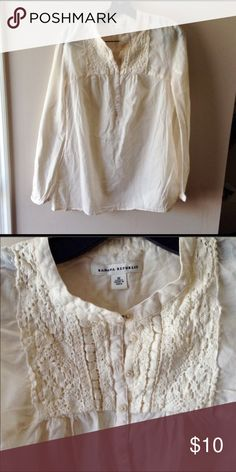 Banana Republic size medium off white boho peasant Great condition light weight long sleeve boho banana republic top Banana Republic Tops Blouses