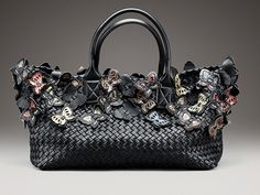 Bottega Veneta's Limited-Edition Handbag s/s 2013 Suede Tote Bag, Nylon Tote Bags, Chain Crossbody Bag, Tote Purse, Leather Crossbody Bag, Handbags Online, Purses And Handbags, Leather Hobo Handbags, Casual Bags