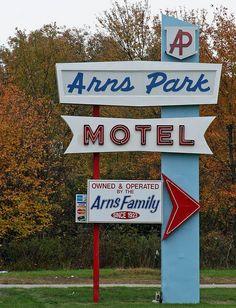 so attleboro ma Attleboro Massachusetts, North Attleboro, Vintage Stores, Old Signs, Googie, Sign I, Rhode Island, Motel, Vintage Signs