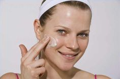 Basic products to control rosacea symptoms. Cool!