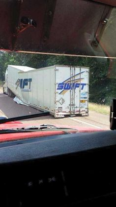Post with 2587 votes and 137733 views. Leave it to Swift. Big Rig Trucks, Tow Truck, Safety Fail, Bad Drivers, Diesel Trucks, Commercial Vehicle, Car Humor, Funny Pictures, Funny Pics