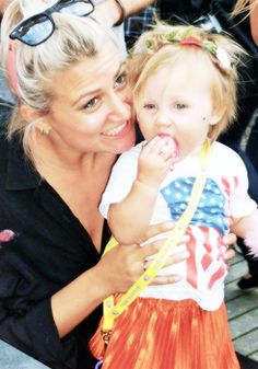 lux and auntie sam