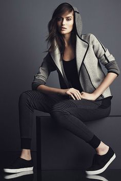 A look from the new Elie Tahari Sport line. [Courtesy Photo] #correres #deporte…