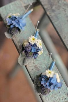 love these buttonholes