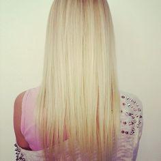 I'd love to have straight blonde hair like this Blonde Beauty, Hair Beauty, Blonde Hair, Bleach Blonde, How To Curl Short Hair, Hair Heaven, Natural Hair Styles, Long Hair Styles, Gorgeous Hair