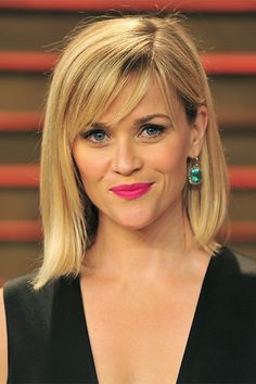 Reese Witherspoon shows off eyebrows for a heart-shaped face