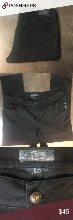 """PLUS SILVER JEANS """"SUKI SLIM""""  BLACK. SIZE 22/31 PLUS Silver jeans 👖 """"Suki Slim""""  Black 22/31. Gently loved. There are no stains, flaws or snags MINT condition. Bundle & save!!! 🎉 PLUS BUY 1 silver Jean get 2nd pair HALF OFF!!👖👚🌈💕 Silver Jeans Jeans Skinny"""