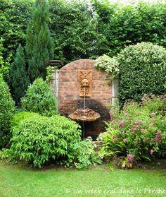 Garden of Petite-Rochelle in Remalard in the Perche Indoor Water Fountains, Garden Fountains, Backyard Water Feature, Ponds Backyard, Koi Pond Design, Landscape Design, Back Gardens, Outdoor Gardens, Vegetable Garden For Beginners