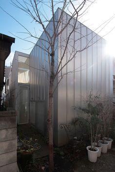House a . by Ryue Nishizawa 6 Japanese Architecture, Facade Architecture, Fumihiko Maki, Jacques Herzog, Sanaa, Arata Isozaki, Kenzo Tange, Ryue Nishizawa, Jorn Utzon