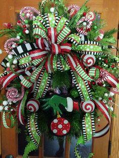 Grinch Christmas Tree, Christmas Swags, Christmas Lanterns, Christmas Door Decorations, Christmas Yard, Holiday Wreaths, Mesh Wreaths, Christmas Themes, Christmas Holidays