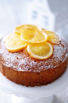 ein aromatisch saftiger Kuchen mit herrlichen Orangen, Vanille und Gewürzen, welcher sich auch hervorragend als Basiskuchen für Motivtorten eignet
