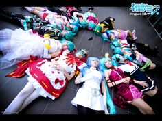 That's a lot of Miku -_-; Project Diva - Hatsune Miku by ~Bakasteam on deviantART Vocaloid Cosplay, Disney Inspired, Hatsune Miku, Deviantart Cosplay, Cool Pictures, Diva, Dress Up, Kawaii, Costumes