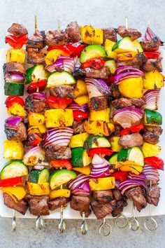 Honey-soy sauce marinade Grilled Steak Kabobs - Juicy steak with sweet bell peppers, onions, zucchini, and pineapple for the PERFECT sweet-and-savory kabob! Healthy Grilling Recipes, Grilled Steak Recipes, Beef Recipes, Cooking Recipes, Grilled Steaks, Skewer Recipes, Grilling Ideas, Grill Recipes, Family Recipes