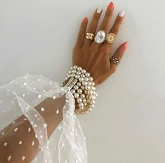 Image about girl in Mein Stil by Crescentsah on We Heart It Jewelry Accessories, Fashion Accessories, Jewelry Rings, Nail Jewelry, Jewelry Quotes, Bead Jewelry, Jewelry Making, Classy Aesthetic, Wedding Nails For Bride