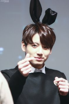 Taehyung is met with a bunny hybrid named Jeon Jungkook. Bunnies are cute, soft and innocent and that's just what Jungkook is, though there seems to be another. Bts Jungkook, Jungkook Mignon, Jungkook Lindo, Maknae Of Bts, Kim Namjoon, Kim Taehyung, Yoongi, Seokjin, Hoseok