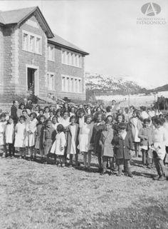 Inauguración Edificio Escuela Nº 16, 1 de Septiembre de 1930 (Colección Capraro en Archivo Visual Patagónico)