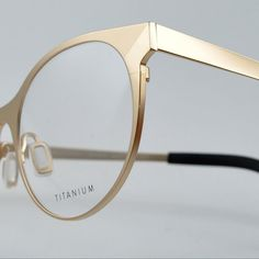 Simplicity in design crafted by hand in Japan. Discover our titanium frame MOONLIGHT coated with 24 carat gold.  #ocular_plus #danishdesign #handcrafted