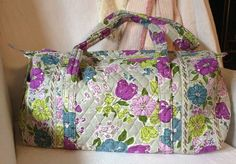 180131bf7a VERA BRADLEY Watercolor Small Quilted Duffel Bag ~ Gym Travel Carryon Duffle  Bag. eBay