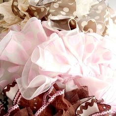 Aprende cuáles son los forros de flamenca y como se aplican Sewing Tutorials, Cook, Couture, Fashion, Sewing Blogs, Fabric Sewing, Fashion Patterns, Dress Patterns, Bebe