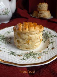 AranyTepsi: Káposztás hajtogatott pogácsa Hungarian Desserts, Hungarian Recipes, Hungarian Food, Savory Pastry, Savoury Baking, My Recipes, Favorite Recipes, Christmas Cooking, Winter Food