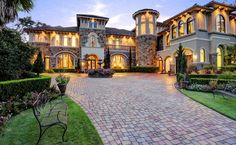 Mediterranean mansion :: Entry/Motor Court :: Spring, Texas