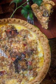 boudin-quiche-vert Farm fresh eggs are the foundation for this quiche spiked with the bold Cajun flavor of spicy boudin and the Cajun trinity of aromatic vegetables. Cajun Recipes, Cajun Food, Cajun Cooking, Justin Wilson Recipes, Boyfriend Food, Cajun Dishes, Cheap Dinners, Quiche Recipes, Unique Recipes