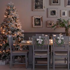 9 surprising Christmas colour schemes