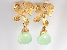 Green Earrings Mint Apple Green Chalcedony Earrings by mlejewelry