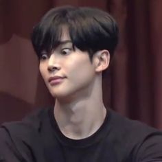 I'm just giving away all my memes now 😪 anygays, do y'all want hot or cute monsta x photos next lol . Funny Kpop Memes, Cartoon Memes, Meme Faces, Funny Faces, Gfriend Lol, Jackson Wang Funny, Actors Funny, Disgusted Face, Jung Hyun