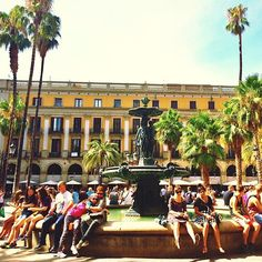 Tourists @ Plaça Reial Barcelona