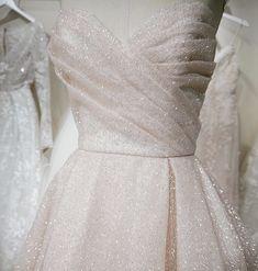 Sparkles: a girl's best friend ✨ . . #cameoandcufflinks #weddinggown #weddingdress #weddinginspo #weddingideas #weddinginspiration #bridalinspo #bridalinspiration #bridalideas #calgarybridalshop #calgarybridalboutique #lazarobridal Flowy Prom Dresses, Classy Prom Dresses, Gorgeous Prom Dresses, Junior Prom Dresses, Prom Dresses For Teens, Prom Party Dresses, Classy Dress, Dresses Dresses, Evening Dresses
